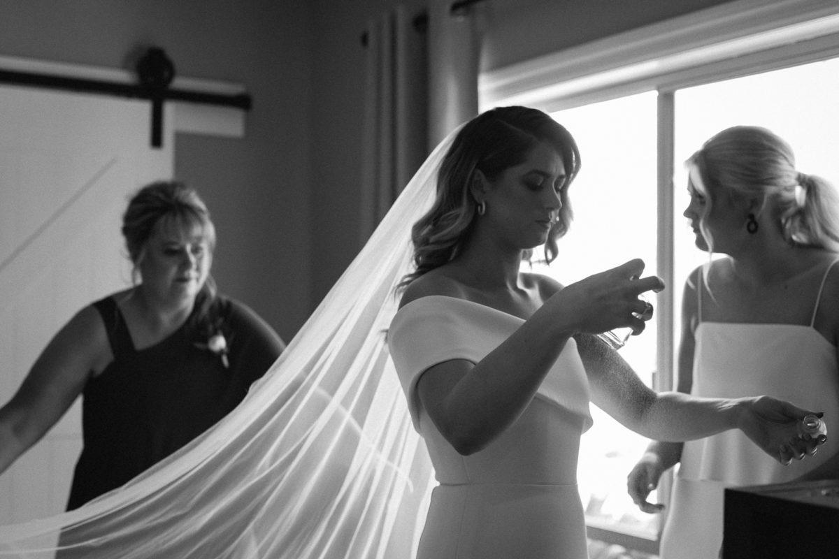 Caitlyn + Andy – Whourouly Wedding